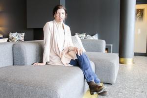 Eva Martinsson har alltid varit intresserad av skrivande, så när hon fick en möjlighet att provskriva ett avsnitt för Massmördarpodden tog hon den – och blev anlitad.
