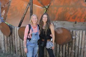 Arrangörerna av Forest Starfestivalen, Lina Thorvald och Emma Althaus ser fram emot en mycket trevlig midsommarhelg i Gateskogen.