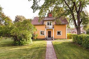 En femrumsvilla byggd 1909 på Ravinstigen 5. Foto: ERA Dala Fastighetsförmedling