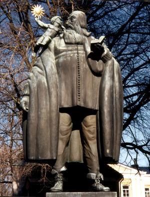 Carl Milles Rudbeckius-staty i Västerås. Foto: Alf Rune