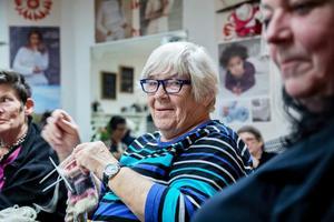 Margaretha Dahlberg tycker om att gå på stickkafé och prata med folk.