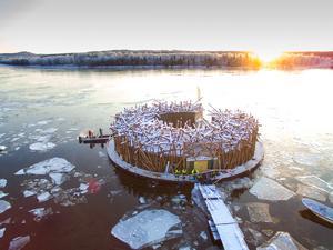 Arctic bath hade sin premiäröppning den 15 januari men har smygöppnat för press sedan den 5 januari. Att bo en natt kostar från 9 700 kronor och att besöka badet kostar 795 kronor per person. Foto Anders Blomqvist, Arctic bath.