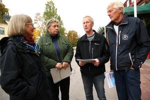 Margit Kallner, Anne-Maria Herrlin representerar Våmhus sockens samfällighetsförening. Lars Nises längst till höger tillhör Utmelands bysamfällighet.