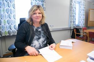"""""""Förtroendet för kommunal verksamhet ökar om omvärlden kan konstatera att de kommunala bolagen är underordnade ägaren/kommunen"""", skriver Annelie Johansson i beslutsunderlaget."""