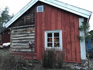 Än saknas lite tidsenlig panel, men det har Anders Lindberg fått tag på hos en i trakten som ska renovera sitt gamla hus.