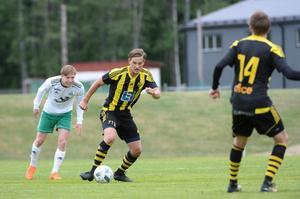 Albin Stark med bollen.