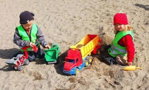 En hel del lekutrustning finns det på Himlavalvet men vad som ska hända med de stora grönytorna är inte riktigt bestämt.