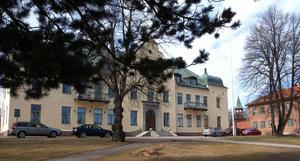 En man från Orsa kommun har åtalats vid Mora tingsrätt misstänkt för misshandel samt ringa narkotikabrott. Det ena brottet ska ha begåtts i södra Sverige i somras och det andra i Mora kommun i oktober.