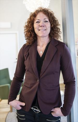 Kontorschefen Pia Alm .