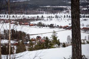Olyckan ska ha skett någonstans bakom campingen och alphuset på Öjeberget i Järvsö.