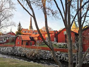 För att rädda de vackraste delarna av Västerås har redan kyrkan och kulturvänstern gått samman.