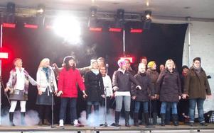Team Ullis vann Körkampen i Strömsund. Här showar  de för Strömsundsborna som besökte julmarknaden.