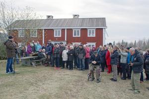 Vårens ankomst firades vid Offerdals hembygdsgård, där Manne Ringh talade på offerdalsmål. Foto: Kjell-Erik Jonasson