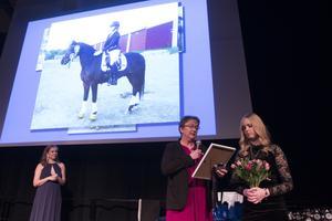 Årets kämpe på ridsportgalan blev Elsa Nordström från Bollnäs som  i sin blogg berättar om sitt ridintresse och sin kamp mot leukemi. Utdelare var Anette Englund och presentatör Beatrice Sahlin.
