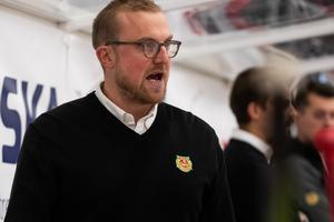 Jeff Jakobs konstaterar att Mora missade de chanser man hade att ta sig in i matchen i tredje. Foto: Daniel Eriksson/Bildbyrån