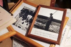 Mängder med fotografier, tidningsurklipp och illustrationer måste gås igenom och sorteras innan det nya strömmuseet i Herrevadsströmmen åter kan öppna.