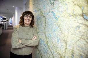 Camilla Dückhow hjälper alla som vill lära sig att läsa tidningen digitalt.