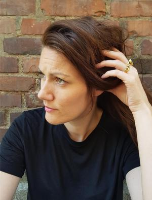 Hedvig van Berlekom har gjort en bok om två mammor som får barn. Hon flyttade från Orsa efter gymnasiet.
