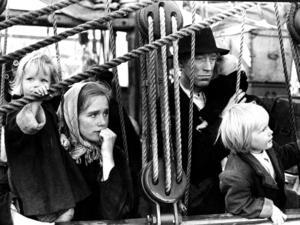 Också Jan Troells filmatiseringen av Vilhelm Mobergs Utvandrarserie blev en klassiker. Liv Ullman spelade Kristina och Max von Sydow Karl Oskar.