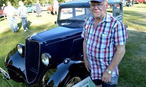 Roger Granberg har kört 13 brudpar i pärlan.