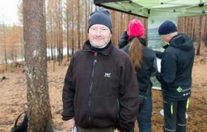 Rolf Sundell förlorade 200 hektar skog i branden i Ängraområdet. Han tycker att det är positivt att 44 miljoner föreslås gå till stöd åt skogsägarna.