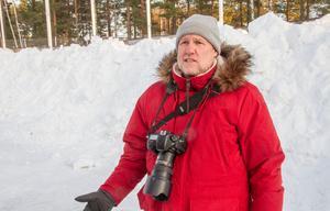Bilderna från IP, Sävstaås och de övriga bandyarenorna kan komma att bli en bok, om Douglas Ljungkvist får som han vill.