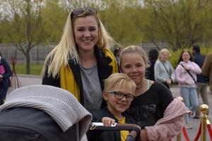 Therese Wickman med barnen Ella och Kidh. Foto: David Söder