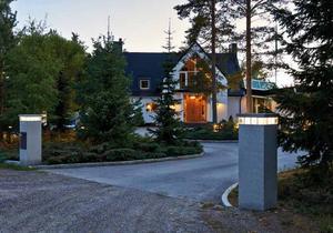 Nicklas Nyberg har till sist konstaterat att han inte är mogen att sälja Villa Varvet.