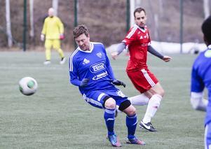 Redan efter fyra minuter gjorde Christian Törnros första målet för Rengsjö.