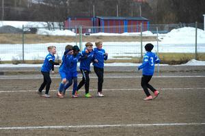 Sundsvall FF jublar efter ett sent mål mot Alnö IF.