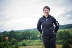 Karin Bäck är landskapsmästare och driver företaget Bäck, äng & skog.