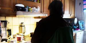 Ulla Jäderström berättar att hon har försökt tagit sitt liv till följd av den ekonomiska situationen hon hamnat i.