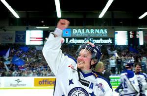 Tomas Forslund flyttade hem från Tyskland för att hjälpa Leksand tillbaka till elitserien. I april 2002 blev drömmen verklighet.