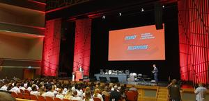 På förbundskongressen blev också Philip Botström omvald som ordförande för SSU.