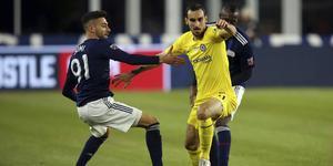 Gabriel Somi till (till vänster) under en träningsmatch mot Chelsea. Foto: AP Photo/Stew Milne