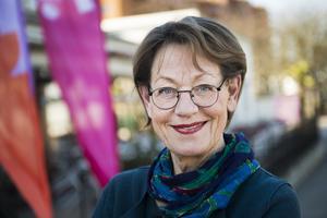Gudrun Schyman åker på dejt under valrörelsen.