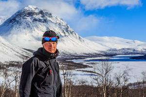 Kalle Skarefjäll älskar naturen och det blir även turer till andra fjäll än de kring husknuten.  Den här bilden tog under en 15 dagars fjälltur i Sarek och Padjelanta i mars 2014.
