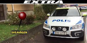 Polis på plats vid den misstänkta mordplatsen.