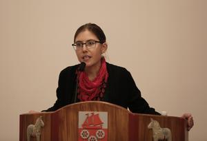 Vänsterns partibas i Smedjebacken, Vanja Larsson, vill att kommunen investerar i solel.