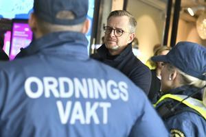 Inrikesminister Mikael Damberg (S) vill modernisera lagstiftningen kring ordningsvakter. Foto: Claudio Bresciani/TT