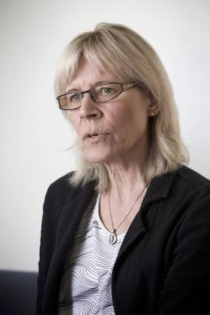 – Det är lite skrämmande, säger Anki Raidma Karlström, sektionschef,  om trenden med stöddiga ungdomar som gör arbetsmiljön otrygg för personal på fritidsgårdar.