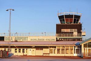 En skattepolitik som försämrar villkoren för Dala Airports överlevnad välkomnas av DT:s krönikör.