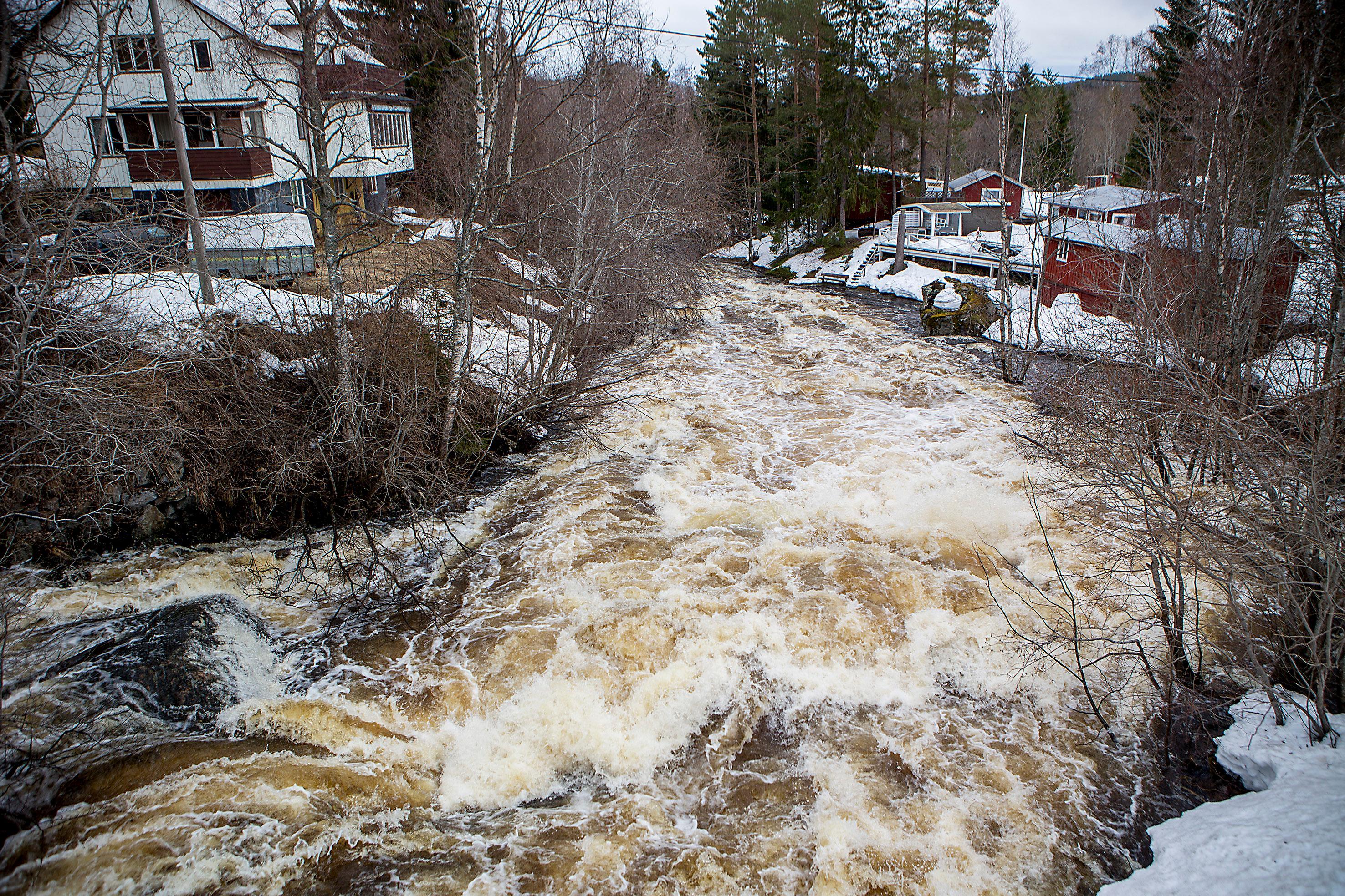 Fortsatt hoga vattenfloden