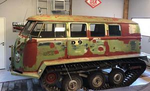 En folkvagn korsad med en bandvagn är till salu i Leksand. Foto: Blocket