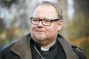 Domprost Kent Nordin är en av vigselförrättarna vid  drop in-vigseln på Murberget. Bild: Gunnar Stattin