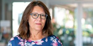 Anna-Lena Lundberg berättar att frågan om hur primärvårdsjour och akuten ska ordnas i förhållande till varandra är svår att komma överens om. Sjukhusets specialistsjukvård och primärvården har jobbat med den i åratal.  Foto: Landstinget/pressbild
