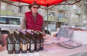Berit Sundling från Bollnäs bryggeri sålde lättöl och Kombucha i olika smaker. Kombucha är en asiatisk fermenterad dryck som görs av te som har  jäst med en mjölksyrakultur. Sedan tillsätter Bollnäs bryggeri och bränneri olika smaker.