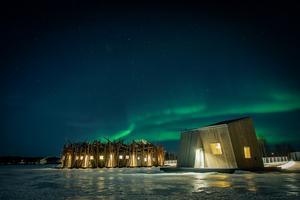 Norrsken över Luleå älv och Arctic bath som har premiäröppning nu i januari 2020. Foto Johan Jansson.