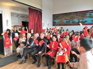 Kinesiska nyåret firades och festligheterna inleddes med sång.