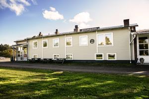 För över 50 år sedan invigdes Bygdegården som sedan dess har varit en viktig fest- och möteslokal i byn.